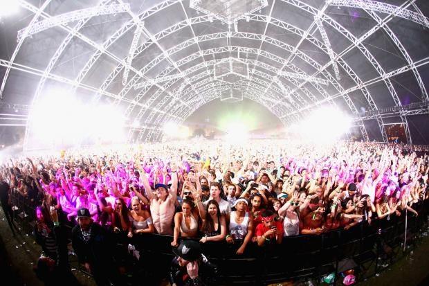 Coachella-crowd-2.jpg