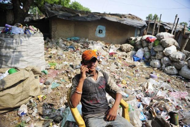 AN19658081An-Indian-rag-pic.jpg