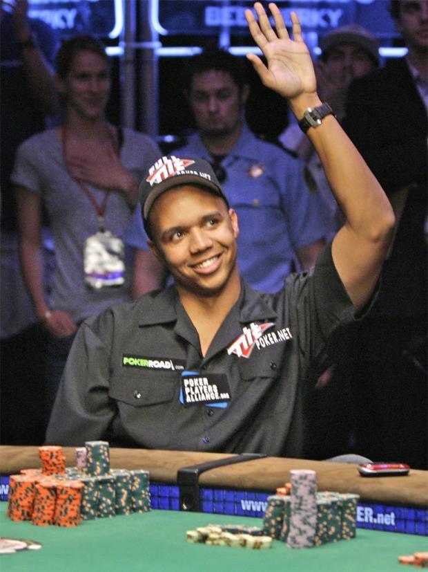 pg-10-poker-ap.jpg