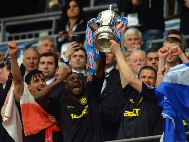 Wigan-trophy.jpg