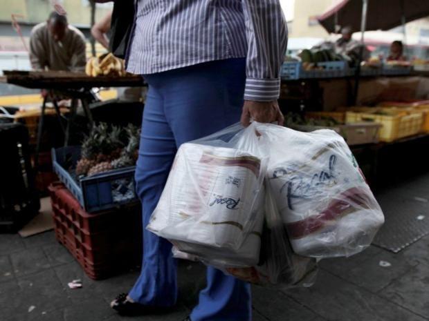 venezuela-toilet-rolls.jpg