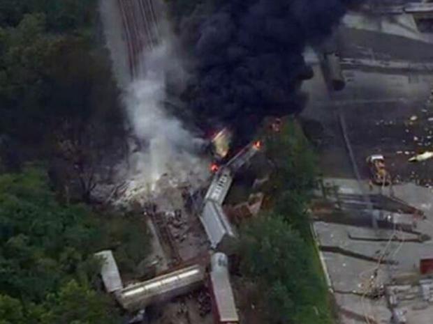 Train-derail-AP.jpg