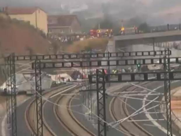 train-crash.jpg