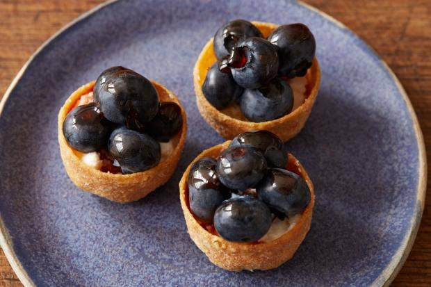 Canap s with blueberries and mascarpone the independent for Canape cup fillings