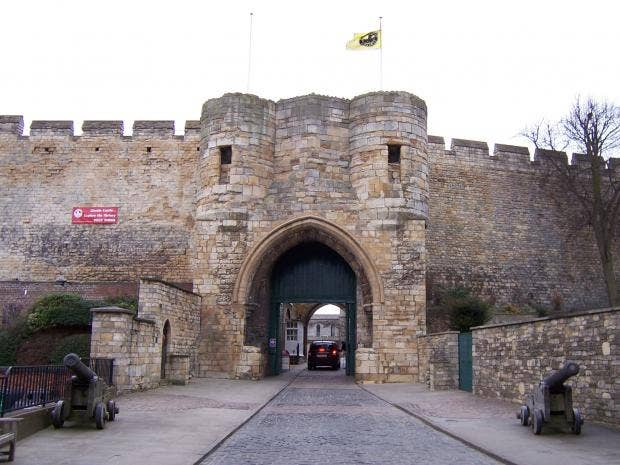 Lincoln-Castle-web.jpg
