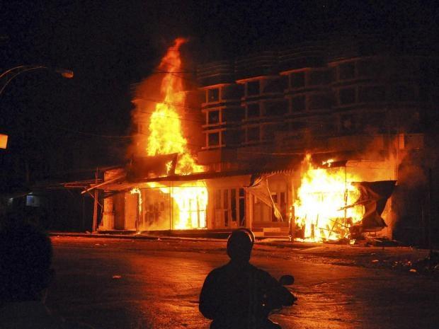 32-burning-mosque-AP.jpg