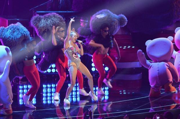 Miley-Cyrus-racism.jpg