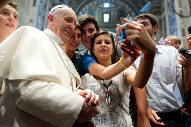 Popeselfie1_1.jpg