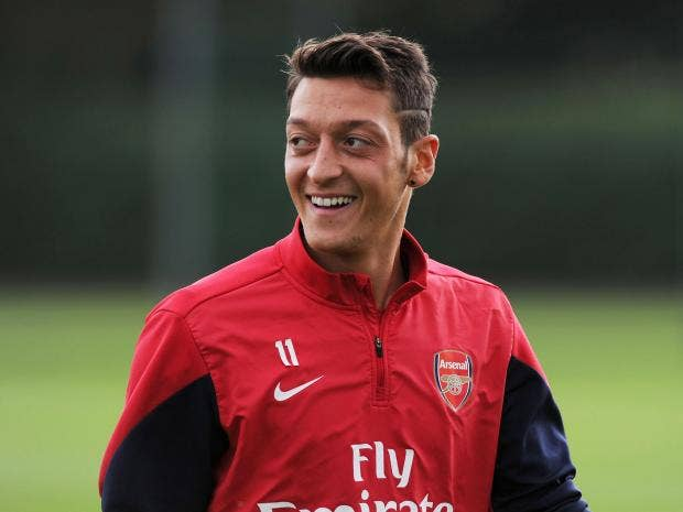 ozil-trains-with-arsenal.jpg