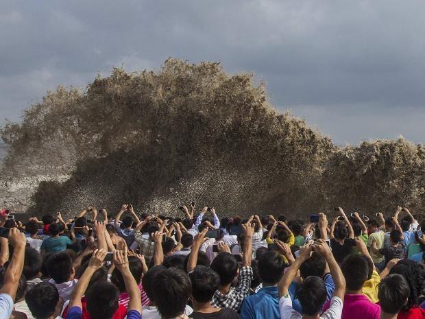 36-tidal-waves-Reuters.jpg