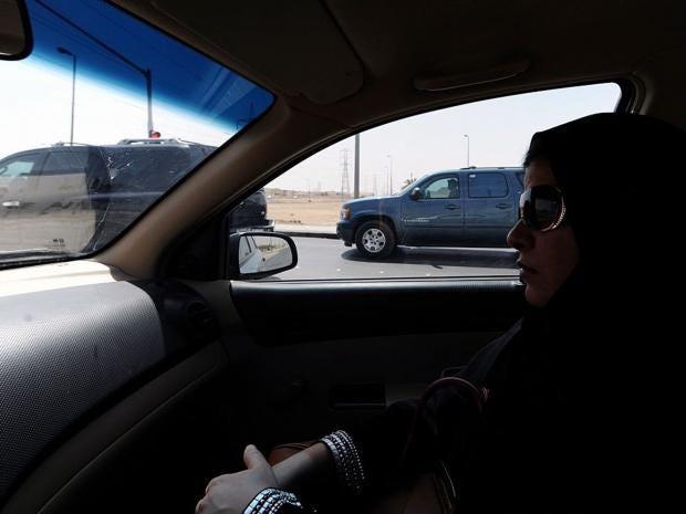 Saudi-woman-car.jpg