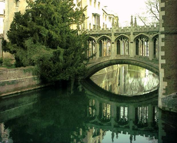 Cambridge_Bridge_of_Sighs.JPG