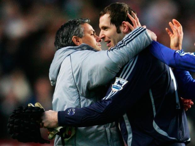 Petr-Cech-Jose-Mourinho.jpg
