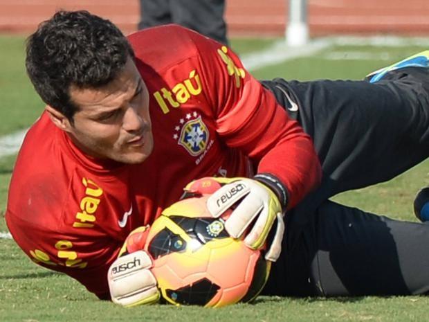 Julio-Cesar.jpg