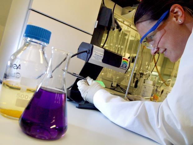 female-scientists.jpg