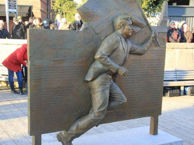 norway-statue-spelling.jpg