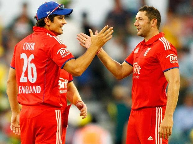 Alastair-Cook-and-Tim-Bresn.jpg