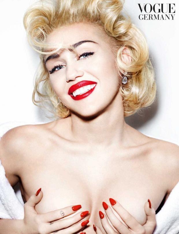 Miley-Cyrus-Testino_1.jpg