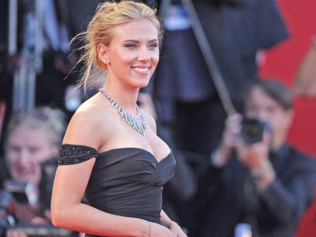 pg-16-scarlett-1-getty.jpg
