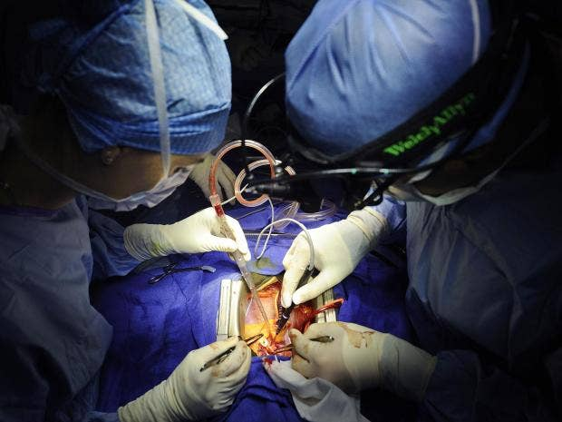 plastic-surgeons.jpg