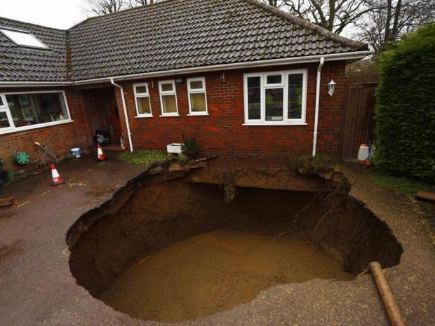 Sinkhole-REUT.jpg