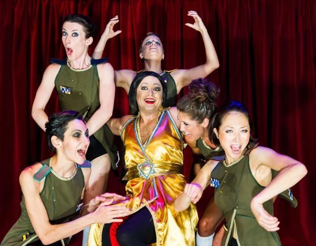 Theatre-Ad-Infinitum---Ball.jpg
