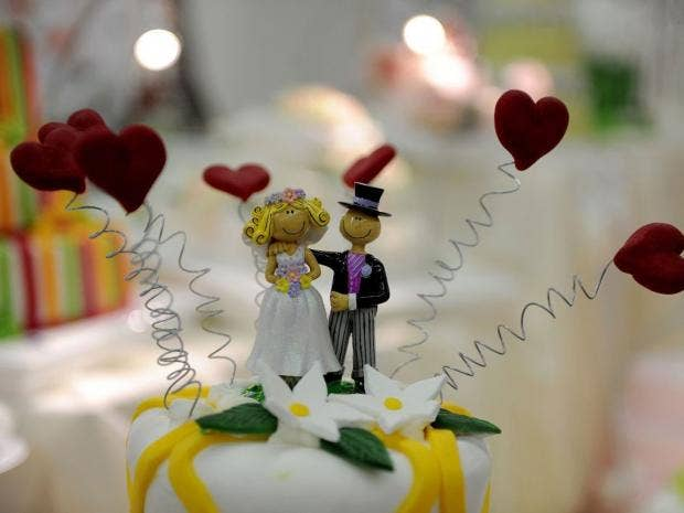 p59weddingcakeAFP.jpg