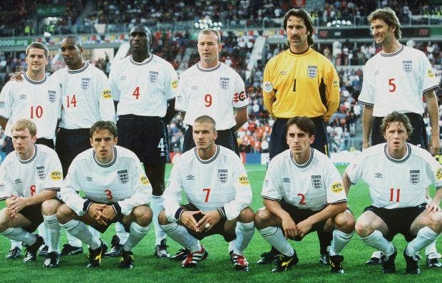 England-team-photo.jpg