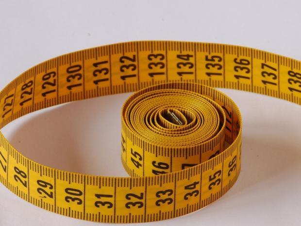 Plastic_tape_measure.jpg