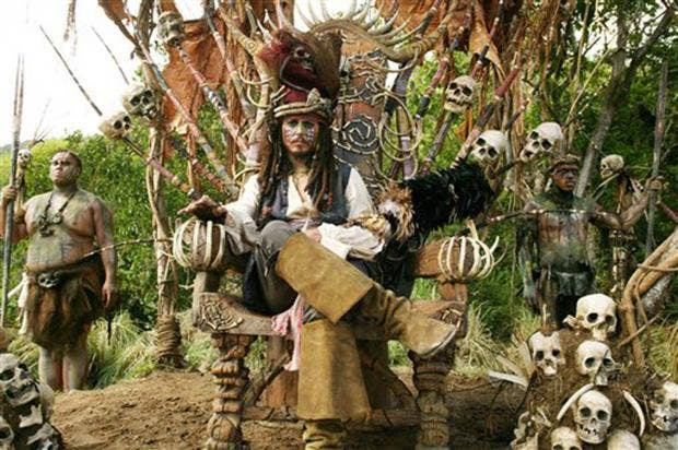 Johnny-Depp-Pirates-of-Carribean-Dead-Mans-Chest.jpg