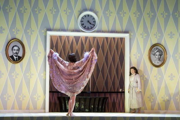 Der_Rosenkavalier_Glyndebourne_18_The Marschallin (Kate Royal) and Octavian (Tara Erraught)_photo credit Bill Cooper.jpg