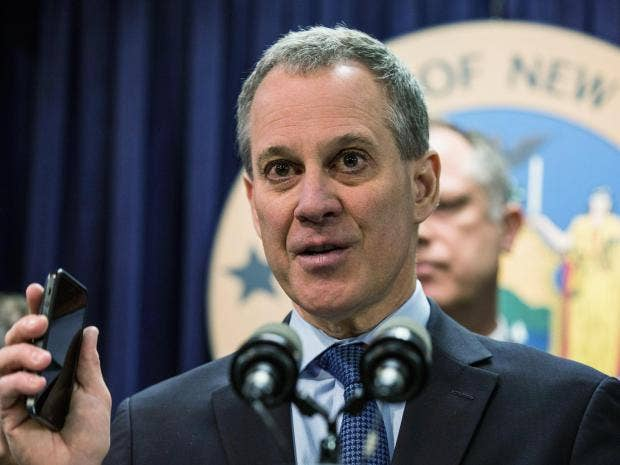 NY  attorney general hires top corruption watchdog to challenge Trump