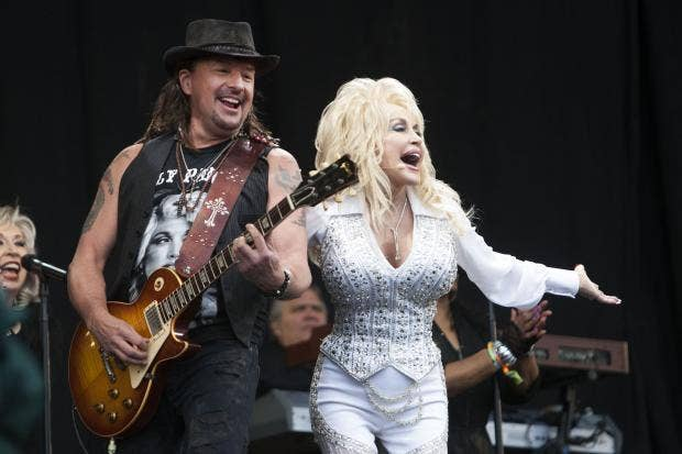 Dolly-Parton-David-McHughs.jpg