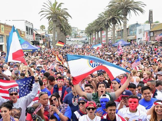 USA-fans.jpg