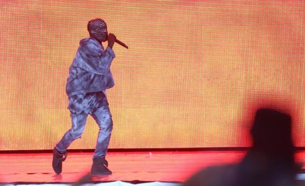 Kanye-West-Wireless.jpg