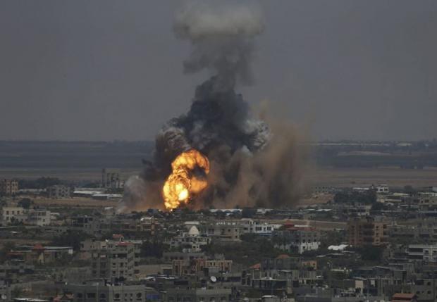 Gaza-burn-REUT_1.jpg