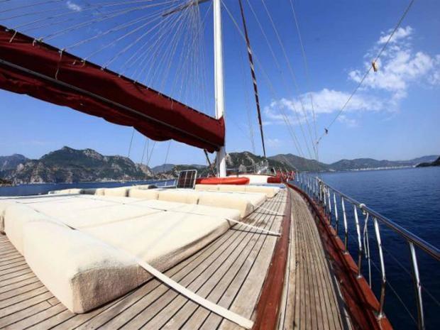 sailingfreedomtreks.jpg