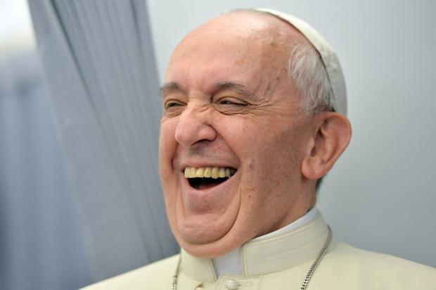pope-laugh.jpg