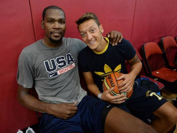 Ozil-and-Kevin-Durant-(2).jpg