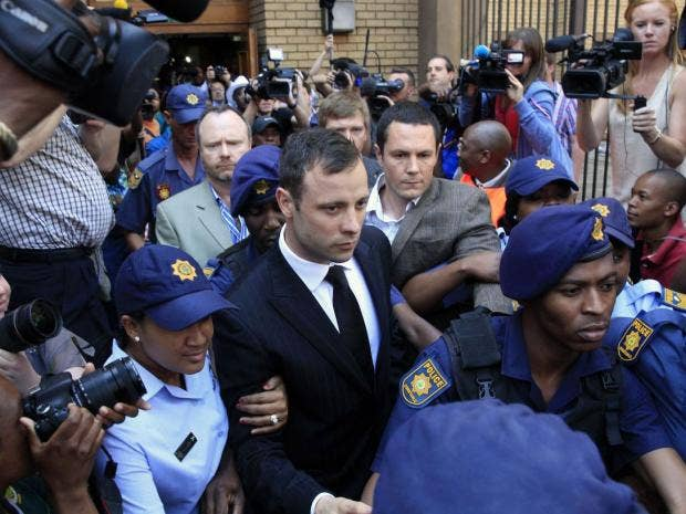 Pistorius-leaving-court.jpg