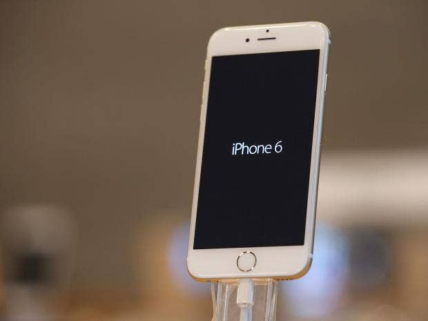 IPhone 6 And Plus Bending Apple Claims Only Nine Complaints Of Bent Phones