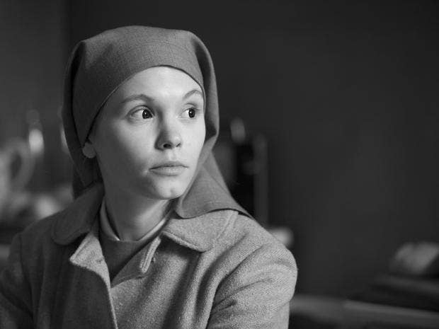 HAND_OUT_PRESS_PRESS_PHOTOGRAPH_FILM_STILL_FROM_THE_MOVIE_IDA.jpg