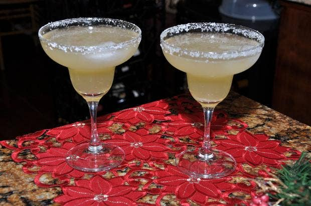 1280px-Classic_margarita_with_Cointreau,_good_tequila_and_fresh_lime_juice.jpg