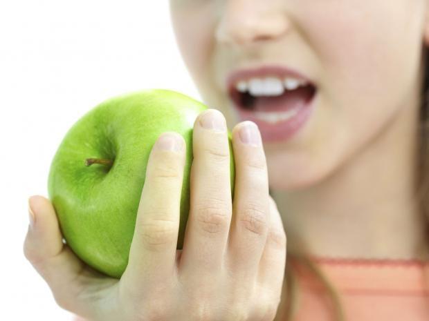 Child-eating-apple.jpg