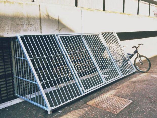 Homeless-cages.jpg