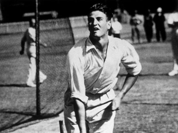 Keith-Miller-1948.jpg