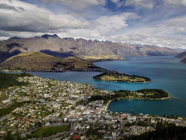Queenstown_Lake_Wakatipu.jpg