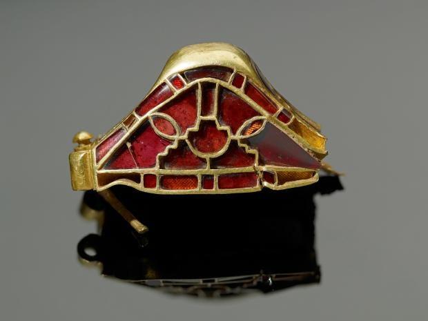 Saxon-gold-12.jpg