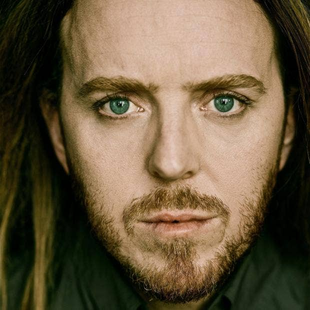 Tim_Minchin_portrait.jpg