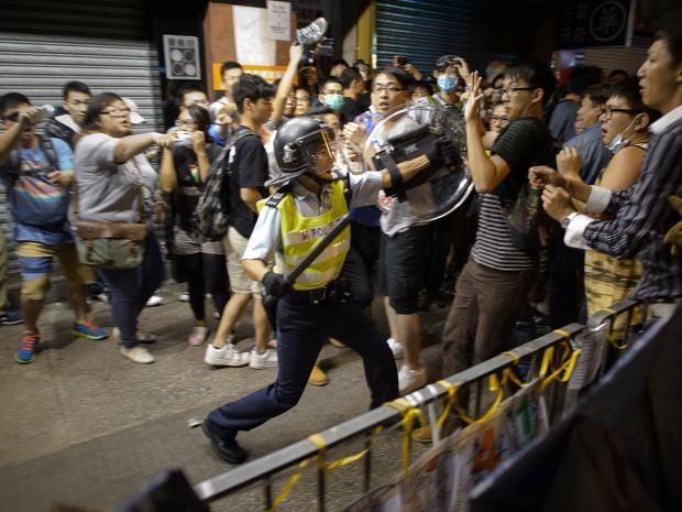 24-policeman-AFP-Getty.jpg